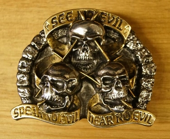 "Buckle "" See on evil, speak on evil, hear "" Goud-/zilverkleu"