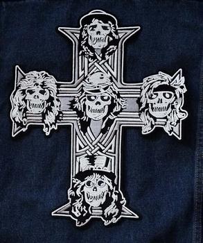 """Applicatie   """" Kruis met doodskoppen """""""