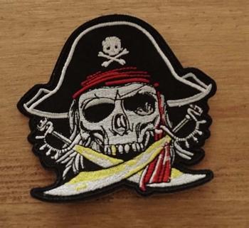 """Applicatie   """" Piraten doodskop met zwaarden """""""