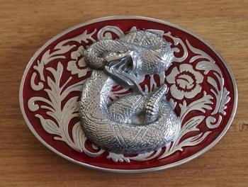 """Belt buckle  """" Snake """"   rood / zilverkleurig"""