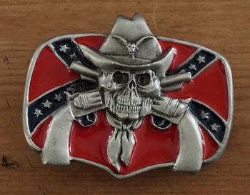 """Belt buckle  """" Rebelvlag met cowboy schedel  + 2 revolvers """""""