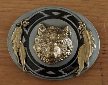 """Belt buckle  """" Wolf met veren """" zwart / goud"""