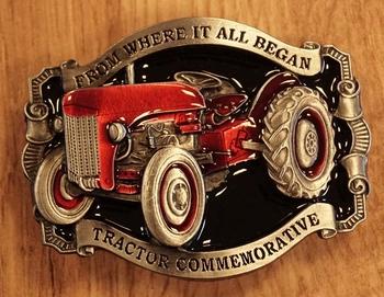 """Buckle  """" Tractor commemorative """"  rood  UITVERKOCHT"""