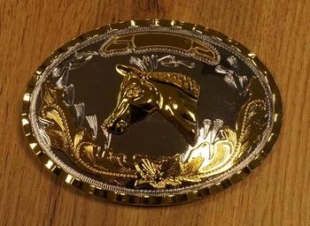 """Buckle """" Paardenhoofd op sierschild """"  zilver- / goudkleurig"""