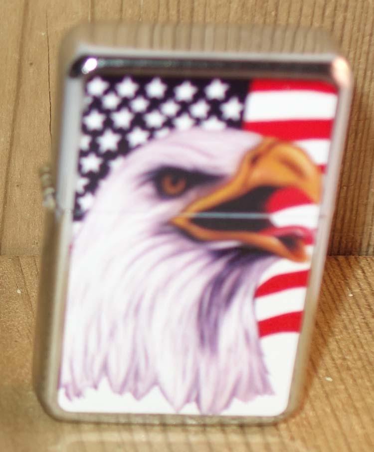 """Aansteker   """" Adelaar met Americaanse vlag """"   Zilverkleurig"""