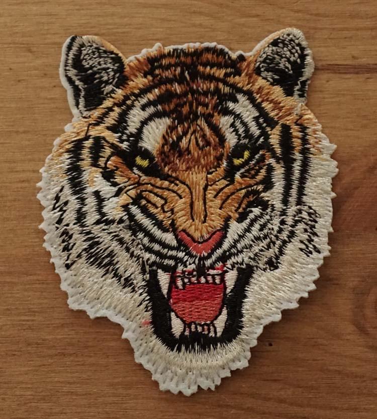 """Applicatie   """" Aanvallende tijgerkop """""""