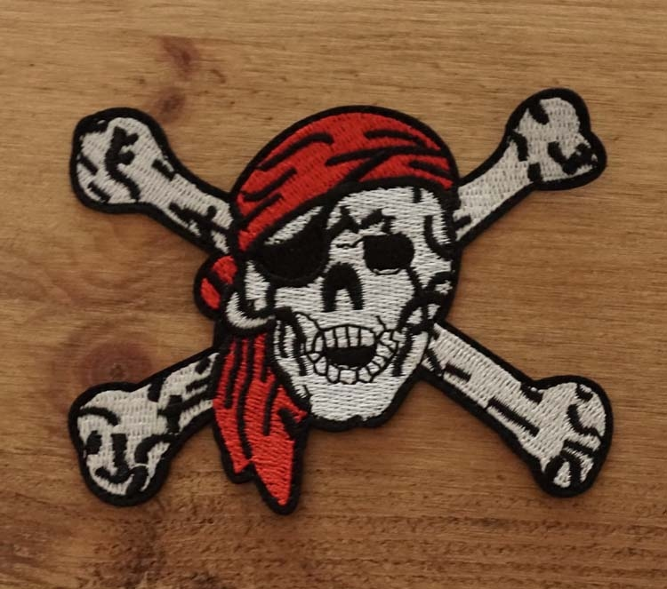"""Applicatie   """" Piraten doodskop met botten """""""