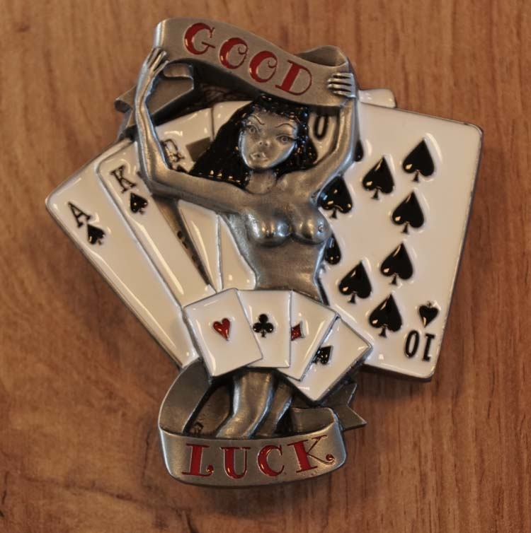 "Belt buckle  "" Good luck "" kaartspel"
