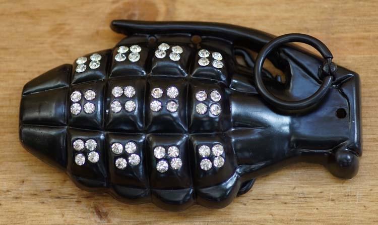 """Belt buckle  """" Handgranaat """"   Zwart met strass"""