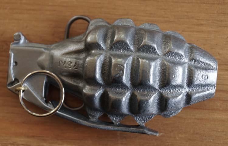 """Belt buckle  """" Handgranaat """""""