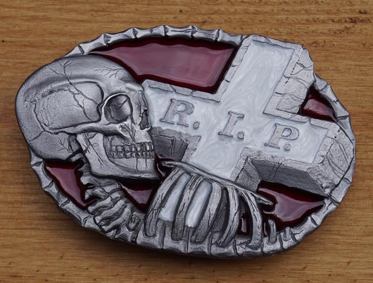 "Buckle  "" Rip  doodshoofd met graf """