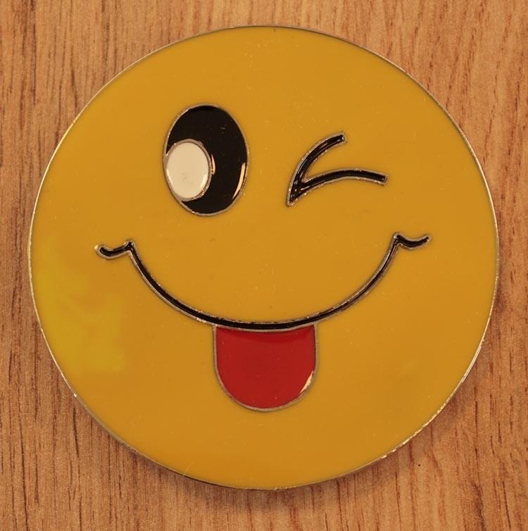 """Buckle  """" Smiley steek zijn tong uit """""""