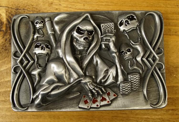"""Buckle """" Skelet aan het pokeren """""""
