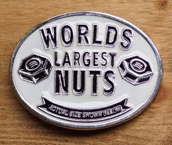 "Tekst buckle  "" Worlds largest nuts ""  UITVERKOCHT"