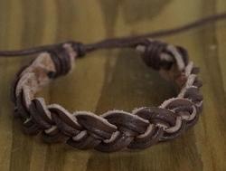 """Leren armband  """"  Gevlochten """"  Bruin"""