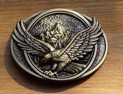 """Siergesp  """" Vliegende adelaar """"   Bronskleurig"""