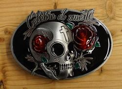 "Buckle / gesp "" Celebre el muerto ""  doodskop met rode roos"