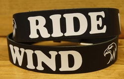 "Buckle riem "" Ride with the wind ""  Zwart / wit"
