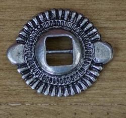 "Slotted concho  "" Rond sierwerk ( 4 ) ""   Zilver kleurig"