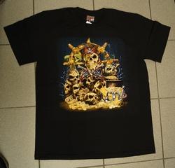 """T-shirt   """" Piraten schedels met schat """"   Zwart"""