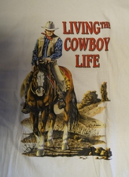 "T-shirt  "" Living the cowboy life ""   Wit"