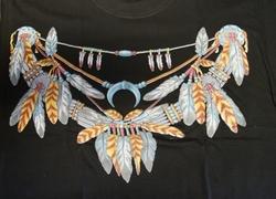 """T-shirt  """" Indianen ketting """"   Zwart"""