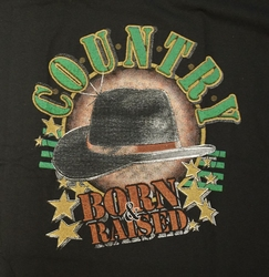 "T-shirt  "" Country Born raised ""   Zwart"