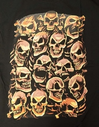 "T-shirt  "" Skulls red ""  zwart"