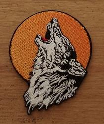 """Applicatie   """" Huilende wolf bij volle maan """""""